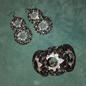Stunning Earring and Bracelet Set